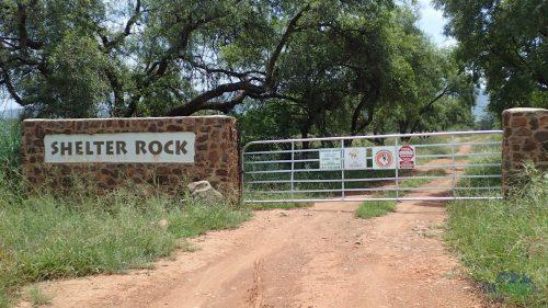 Zavřená brána Shelter Rock