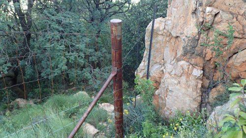 Jeden z mnoha plotů.