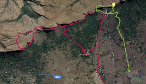 Červená - místa kde jsem hledal ve čtvrtek, Zelená - správná cesta, Žlutý bod - nástup na via ferratu.