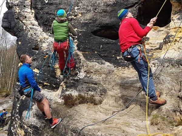 Kurz první pomoci a záchrany v horách nejen pro horolezce